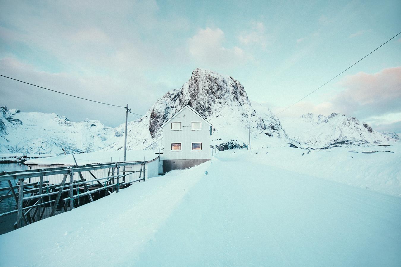domki na Lofotach, zima