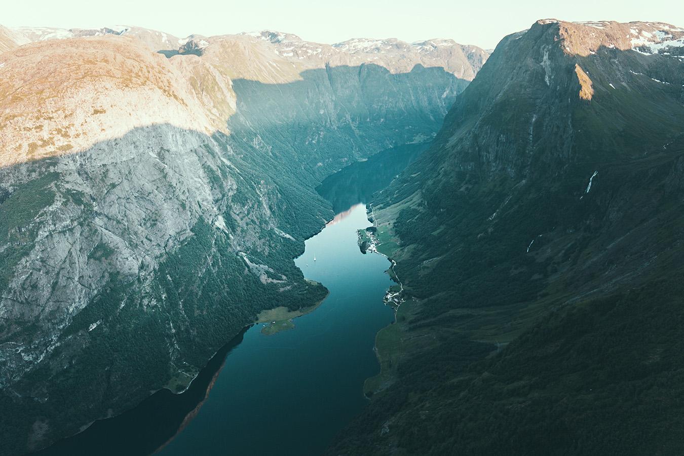 Breiskrednosi, Nærøyfjord, Norwegia