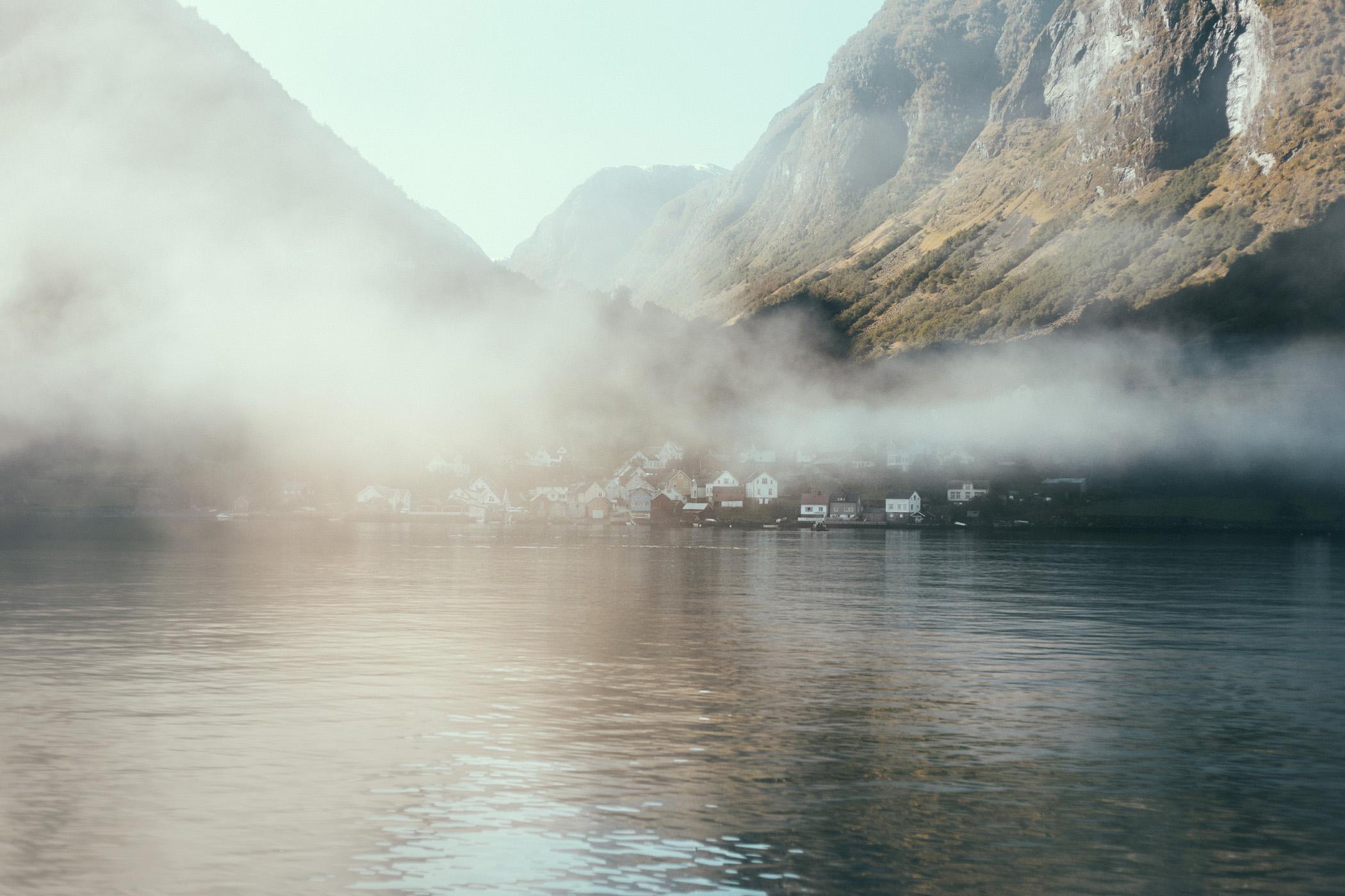 Undredal jesienią, Aurlandsfjord