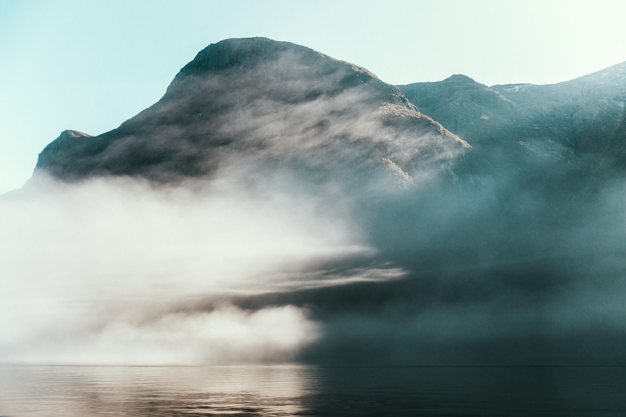 Nærøyfjord we mgle