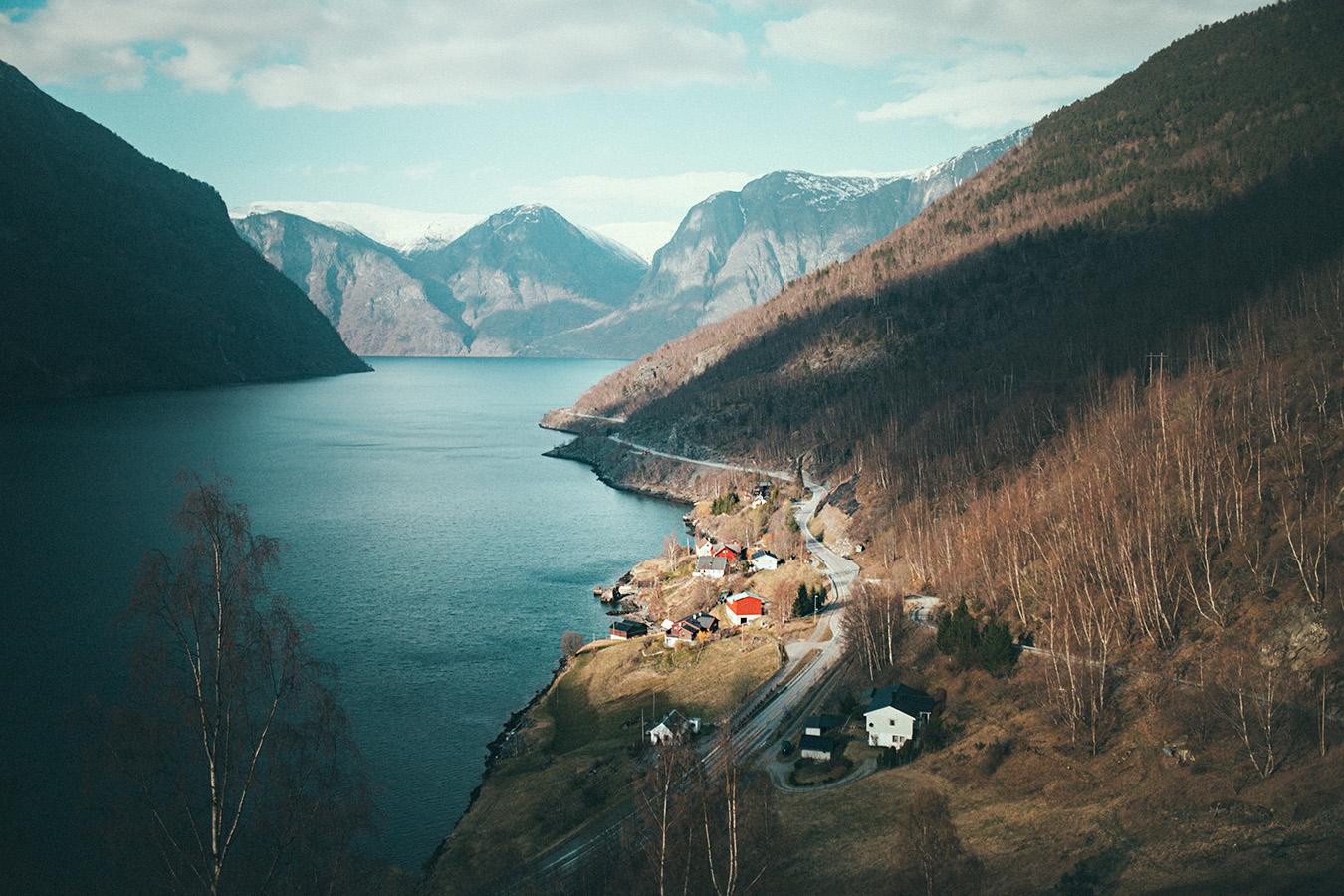 Otternes, widok w stronę Aurland, Norwegia
