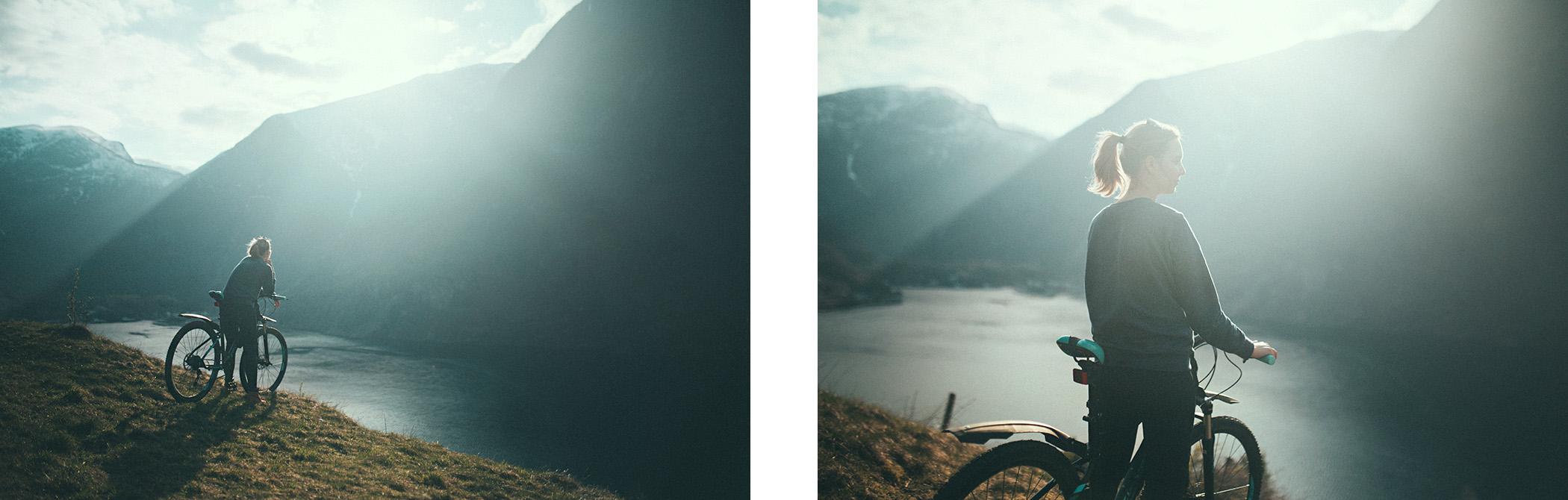 Magda, Otternes z widokiem na Flåm, z rowerem Kross