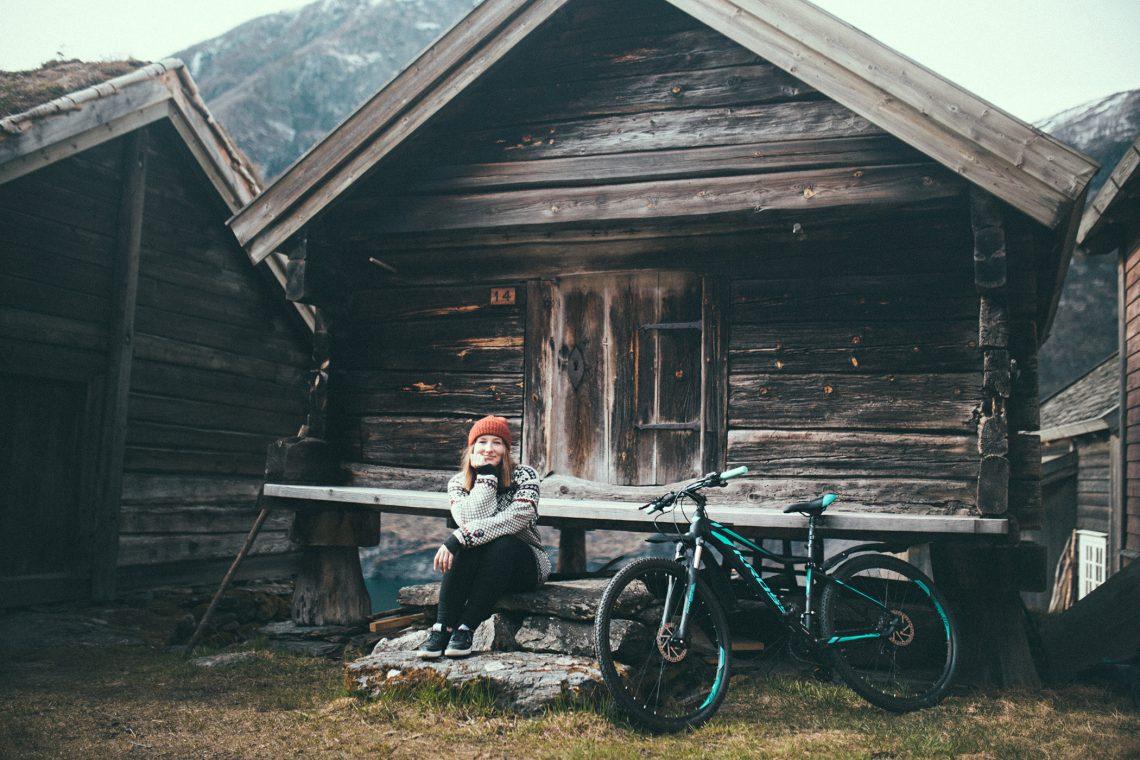 Otternes, autoportret z rowerem Kross