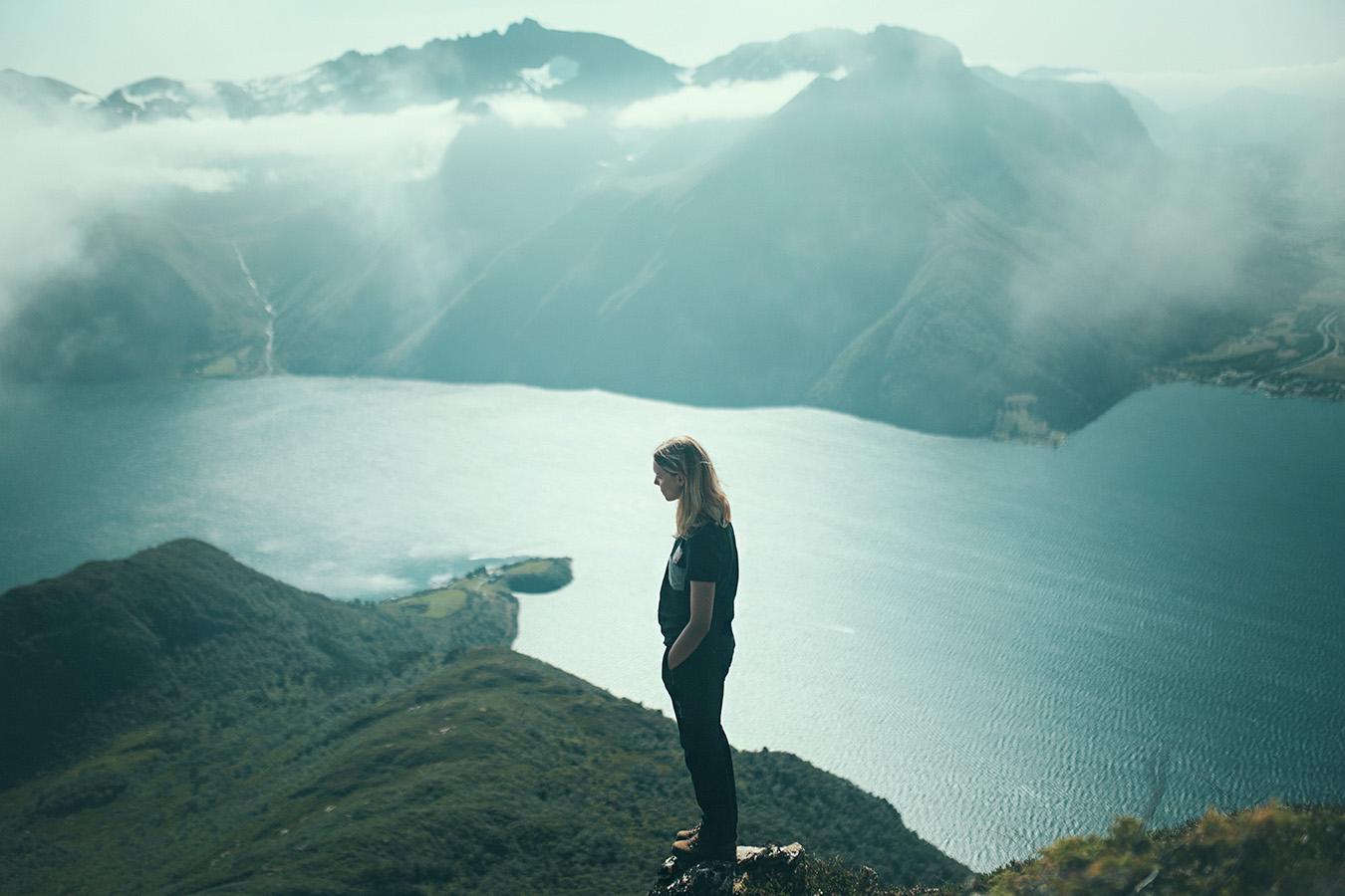 Sunnmørsalpene, widok na Sæbø